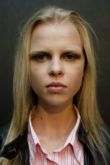 Modelo com make up de Daniel Hernandez para o desfile da Triton
