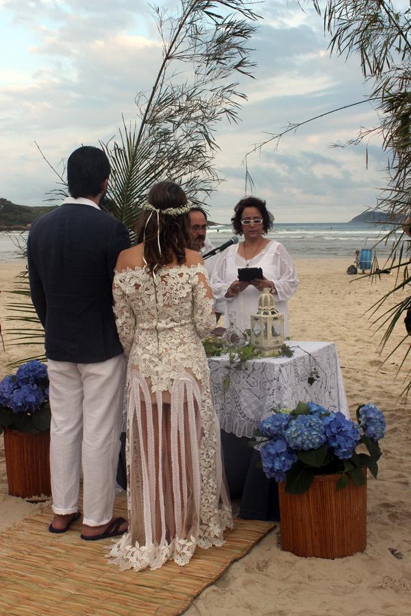 casamento-praia-guarda-embau-lises-4