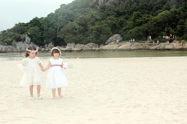 casamento-praia-guarda-embau-lises-6