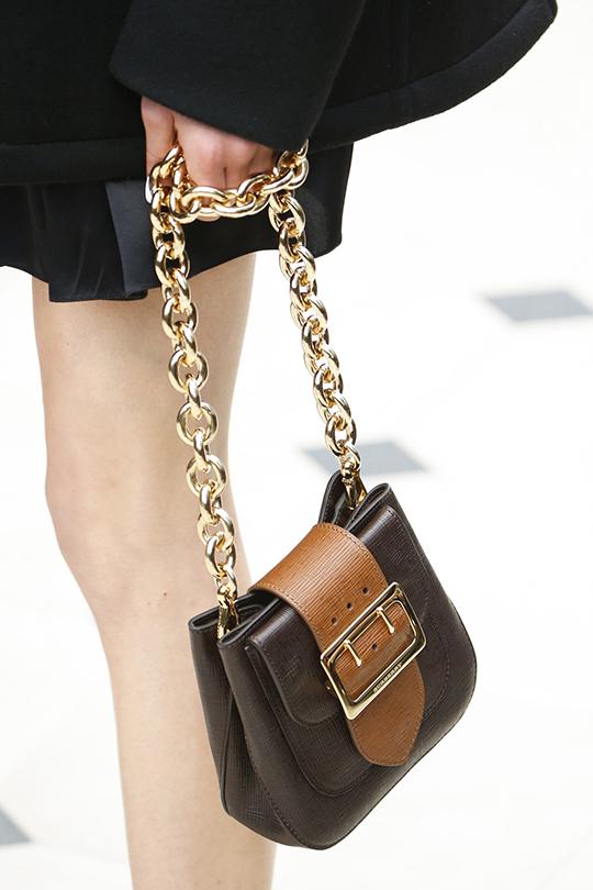 Mini bag linda com alça poderosa!