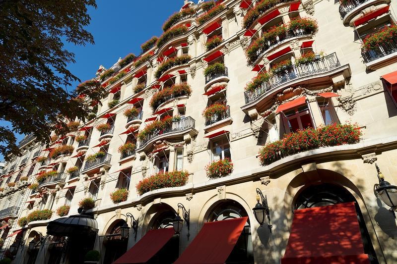 facade-plaza-athenee